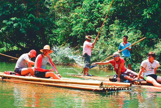 Национальный парк Кхао Сок. Прогулка на лодке по озеру.