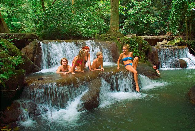 Провинция Krabi. Купание в Изумрудном озере.