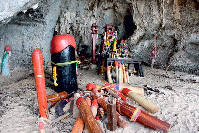 Провинция Krabi. Пляж Пра Нанг и пещера фаллосов.