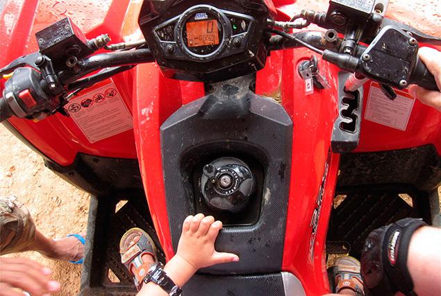 Катание на квадроциклах на Пхукете.