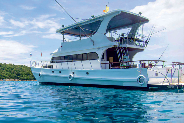 Рыбацкая лодка Блэк Марлин. Аренда лодок на Пхукете.