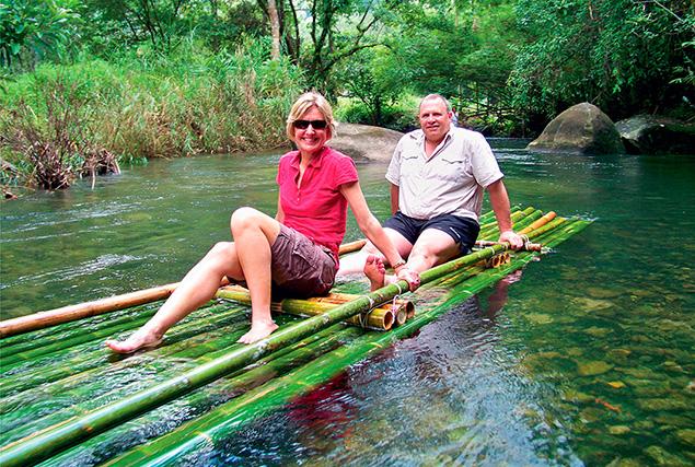 Национальный парк Као Лак. Сплав вниз по реке Khao Lak  на бамбуковом плоту