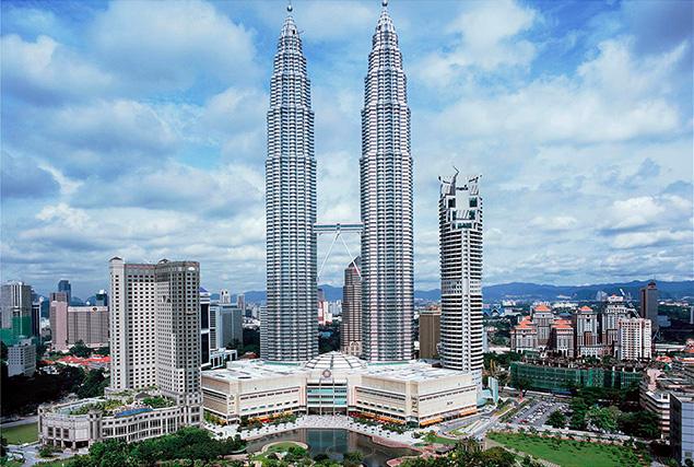 Туры в Малайзию из Пхукета. Башни близнецы Петронас.
