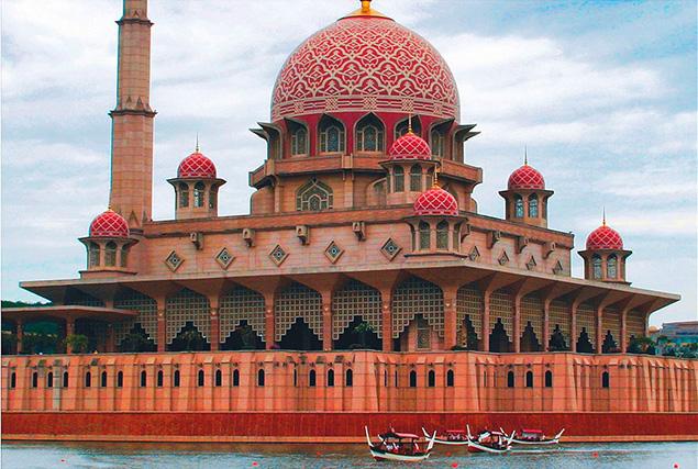 Туры в Малайзию из Пхукета. Национальная мечеть.