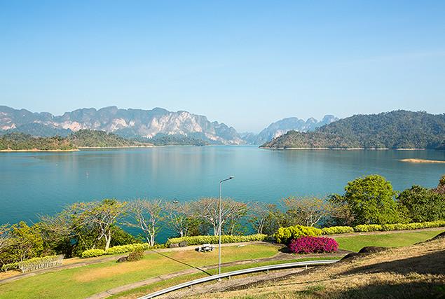 Озеро Чео Лан. Вид с дамбы